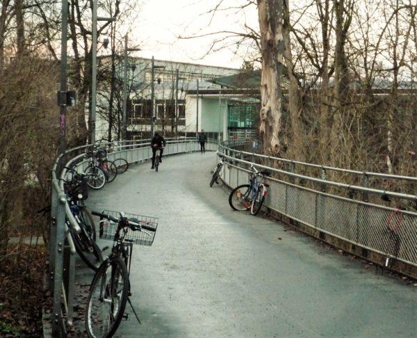 Sichere und schnelle Radverbindung vom Bahnhof zur Innenstadt